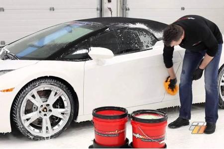 چگونه ماشین خود را با وسایل خانگی تمیز کنیم؟